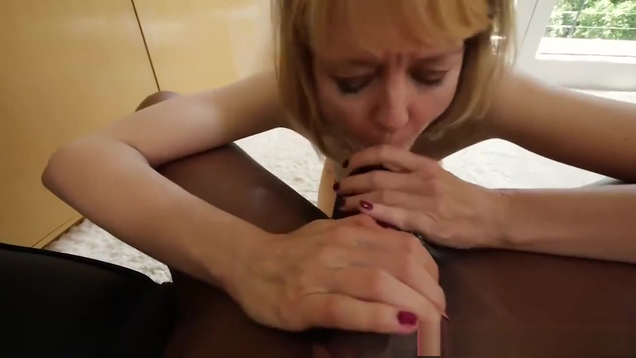 Porn Pics & Movies Good wank watching milf cumming