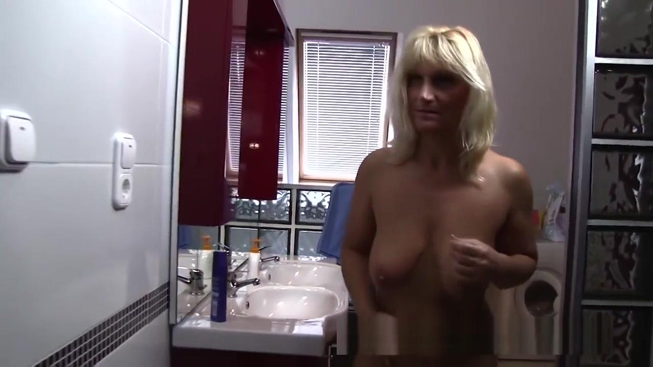 Porn clips Kristin davis strip video