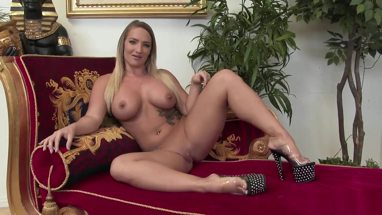 Nude 18+ Ebony messy anal