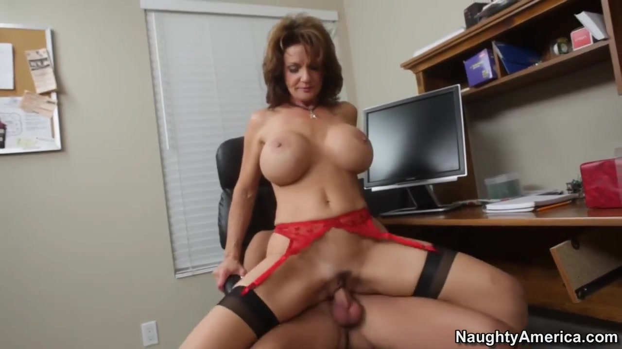 Porn clips Natural 34d pictures