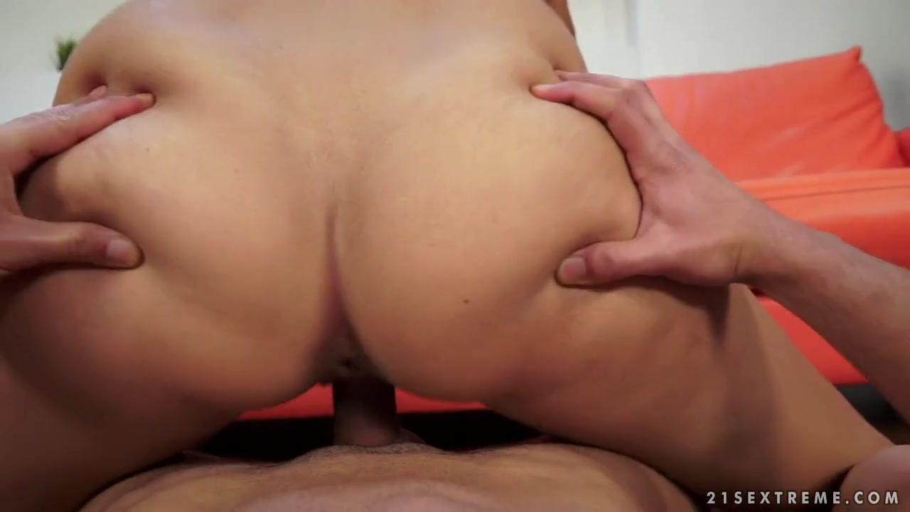 Porn pictures Slutload wife licks friend
