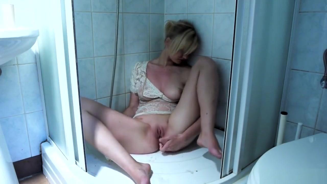 Naked FuckBook Busty Milf Fucking
