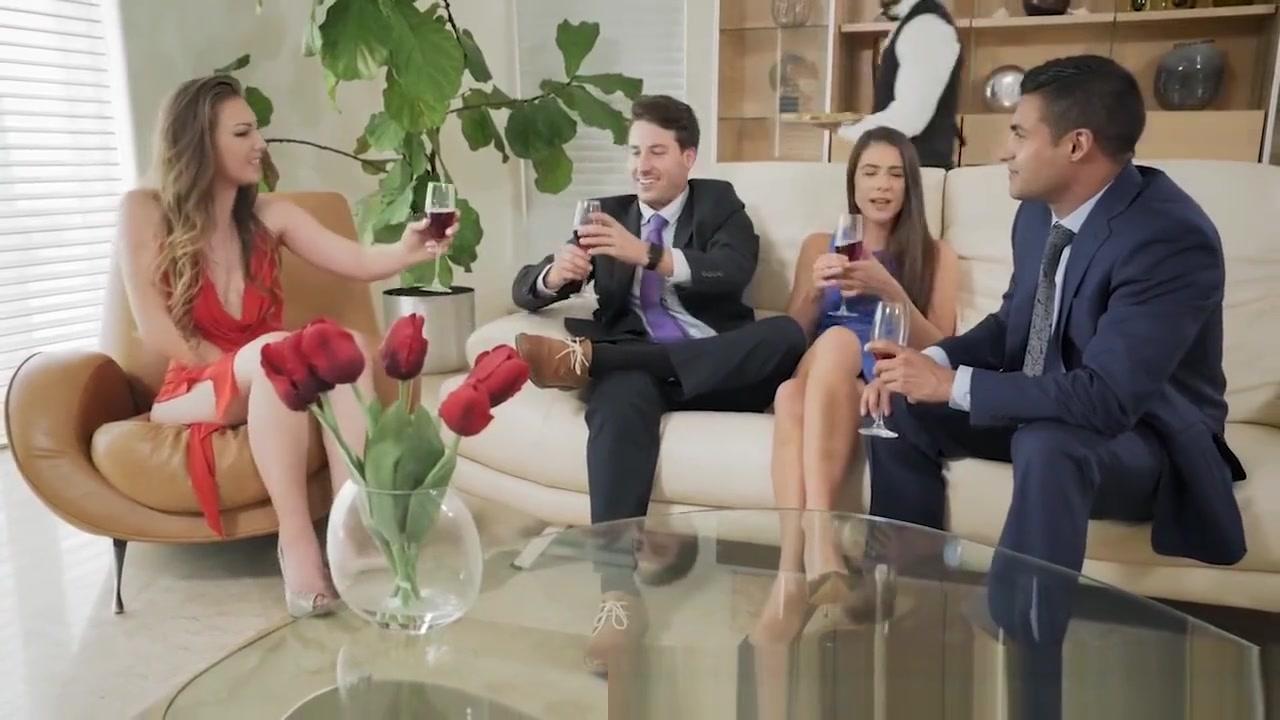 Jovenes y brujas online dating Nude 18+