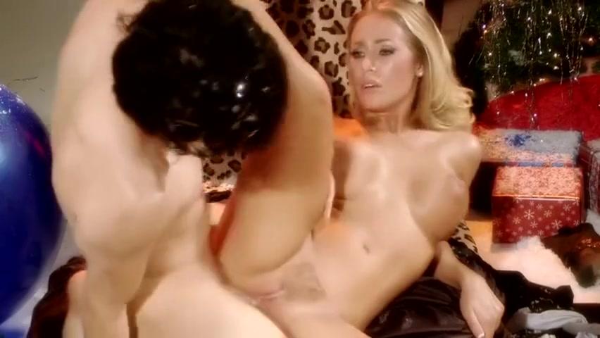 Pron Pictures Flat tits milf