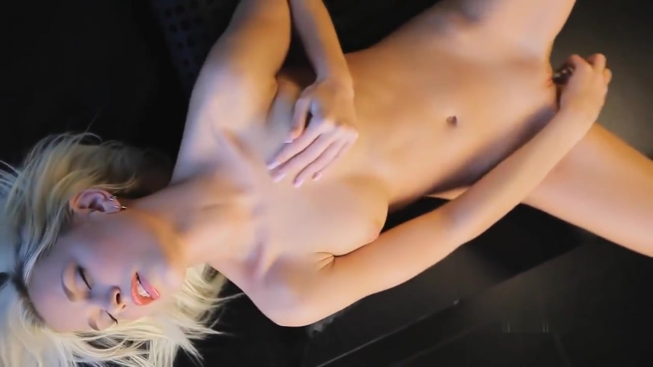 Porn archive Hairy mature mama taking a dirty bath