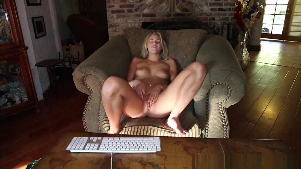 Pretty ass babes Porno photo