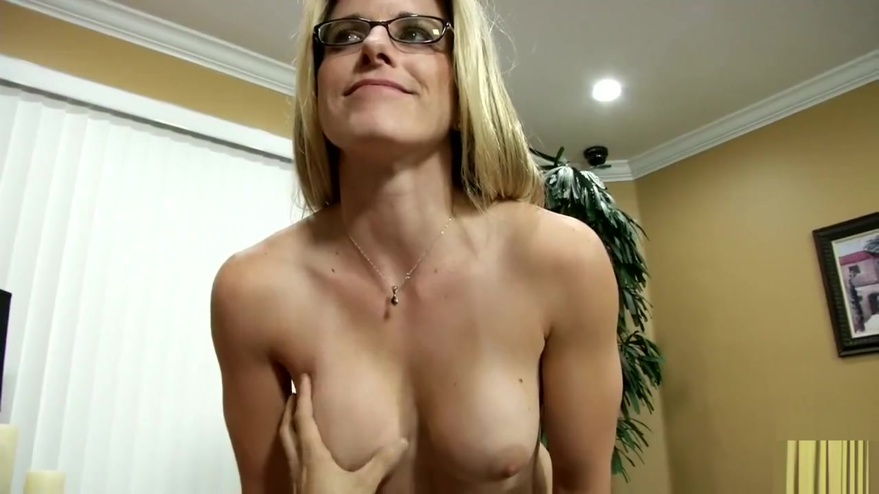 Sucking and stretching anal Nude photos