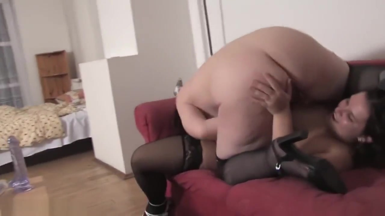 Female machine orgasm XXX Photo