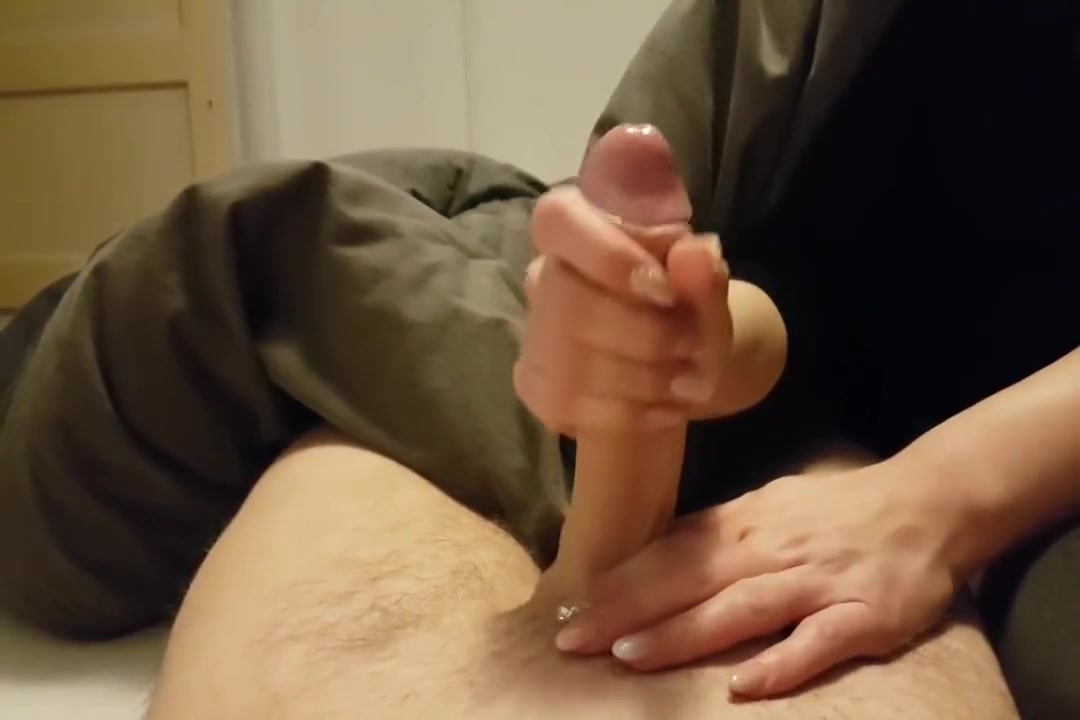 The perfect Handjob ends in a cumshot Deepthroat my dick
