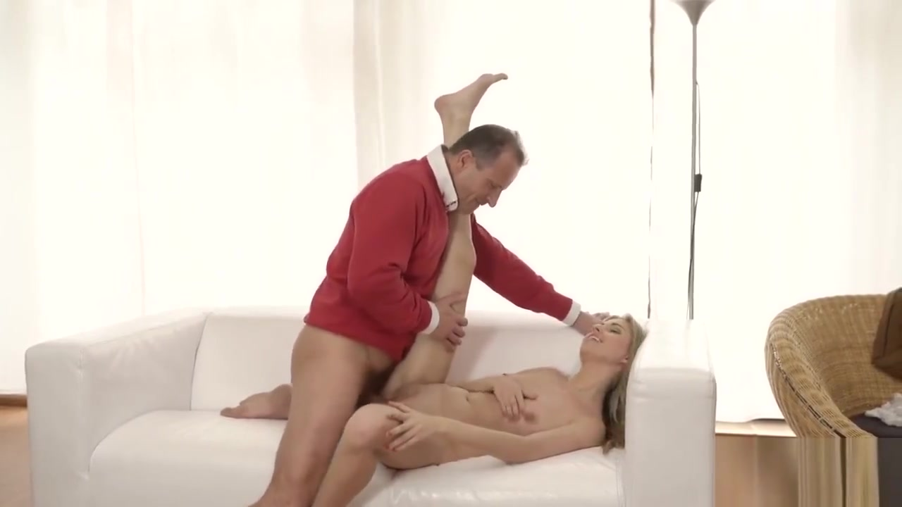 Emma mae blowjob Naked Pictures