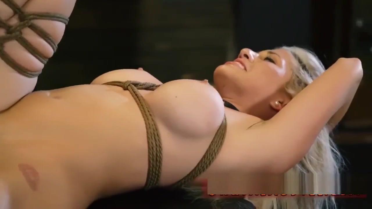 Magnifique mature dans la salle de bain Porn FuckBook