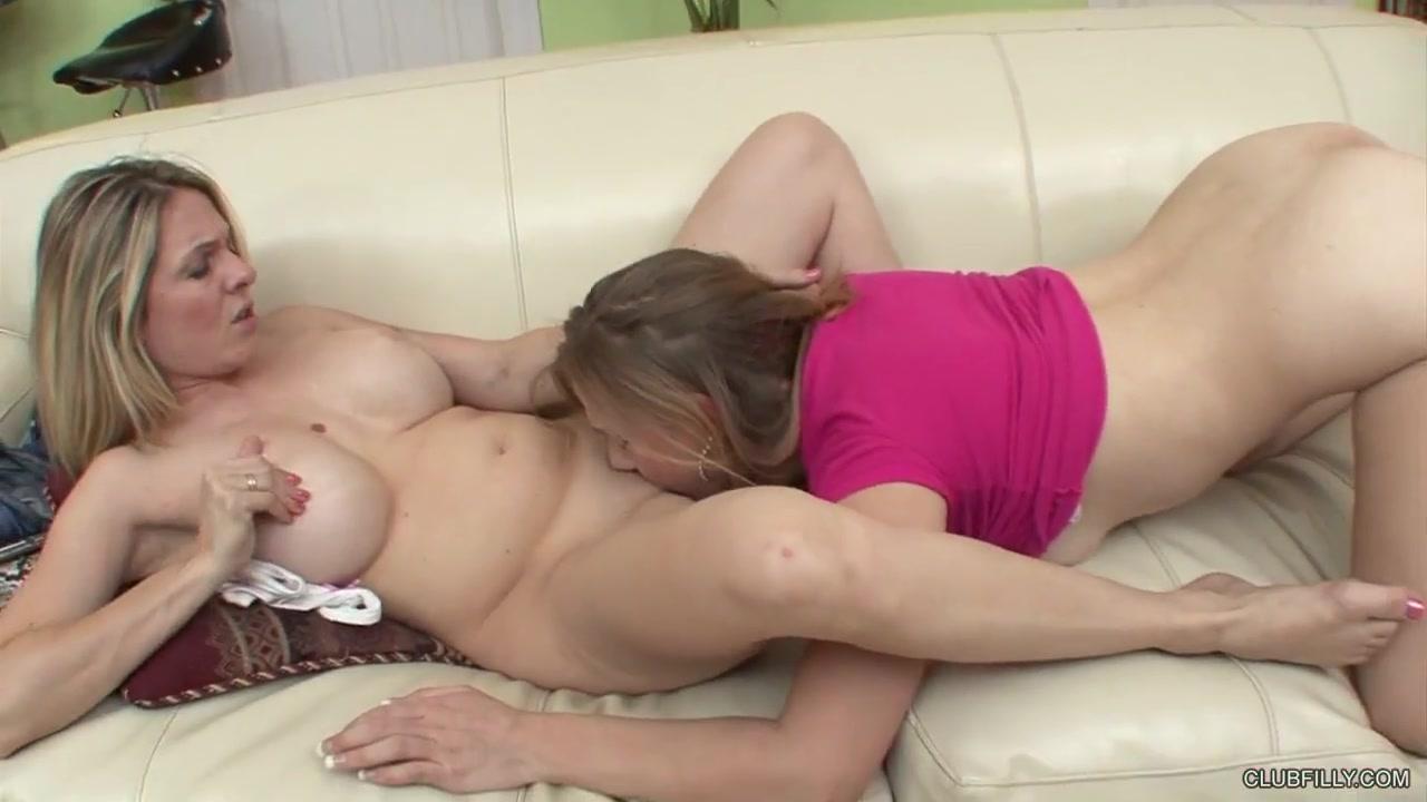 Masturbatian Latex lesbiana sexi