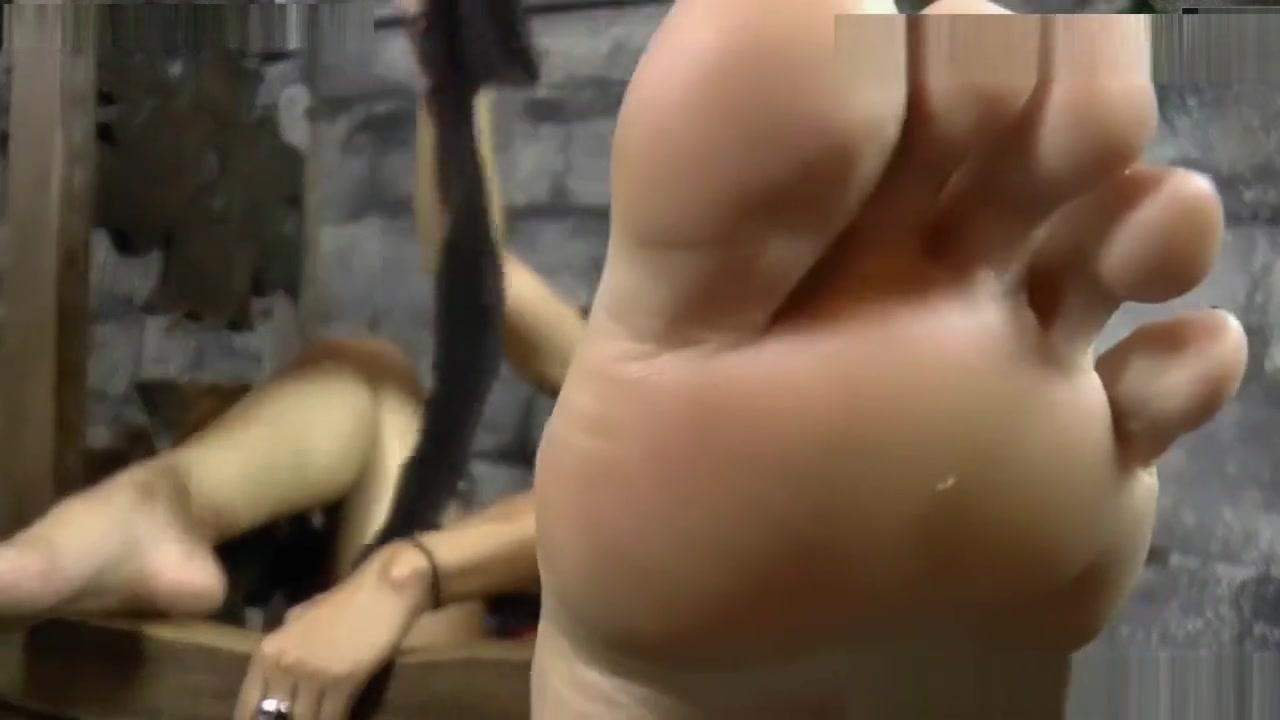 Naked xXx Base pics Images of naked ladies kissing nakes boys on lips