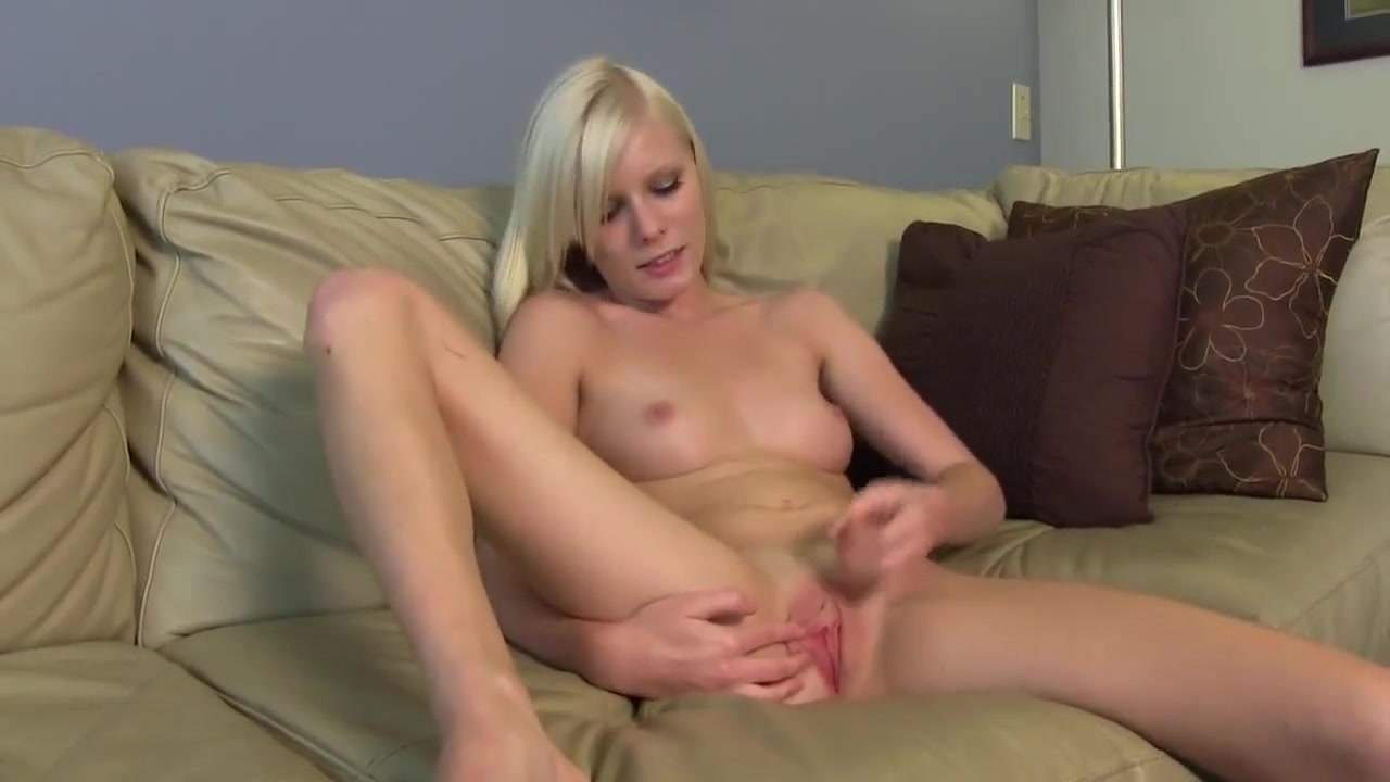 Naked 18+ Gallery Blonde milf jeans sexy
