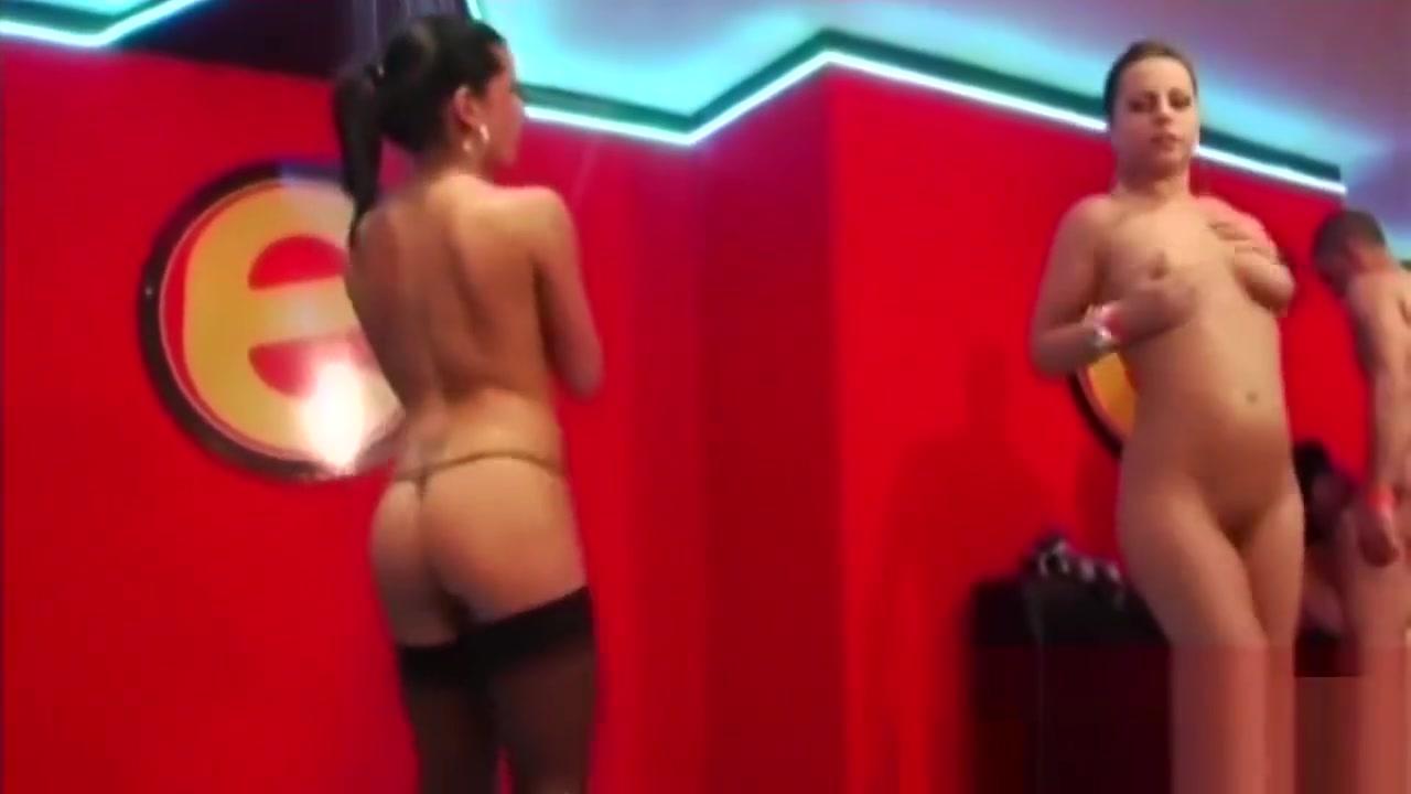 Naked xXx Girls sexy free nasty thumbnails