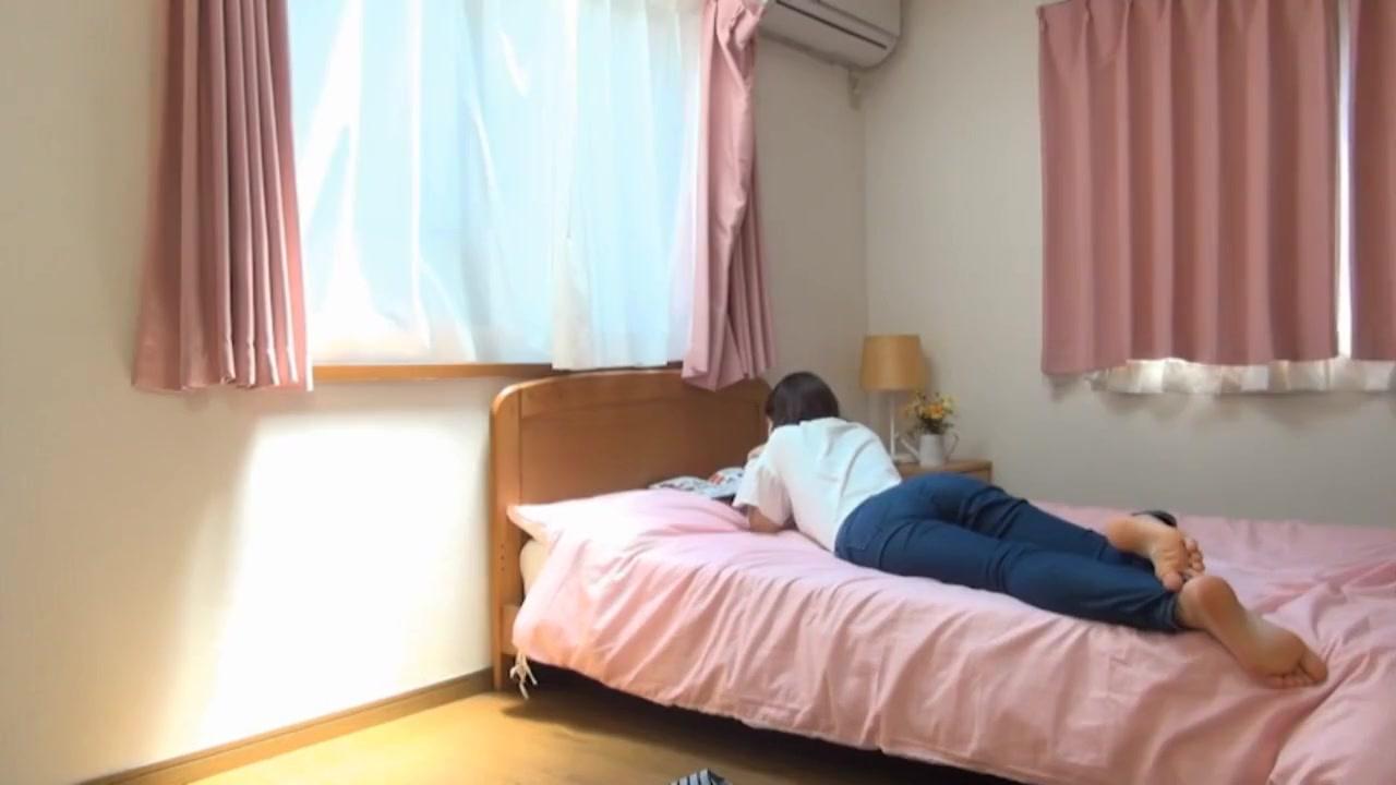 japanese girl farting 02 Jessica Alba Bikini Pose