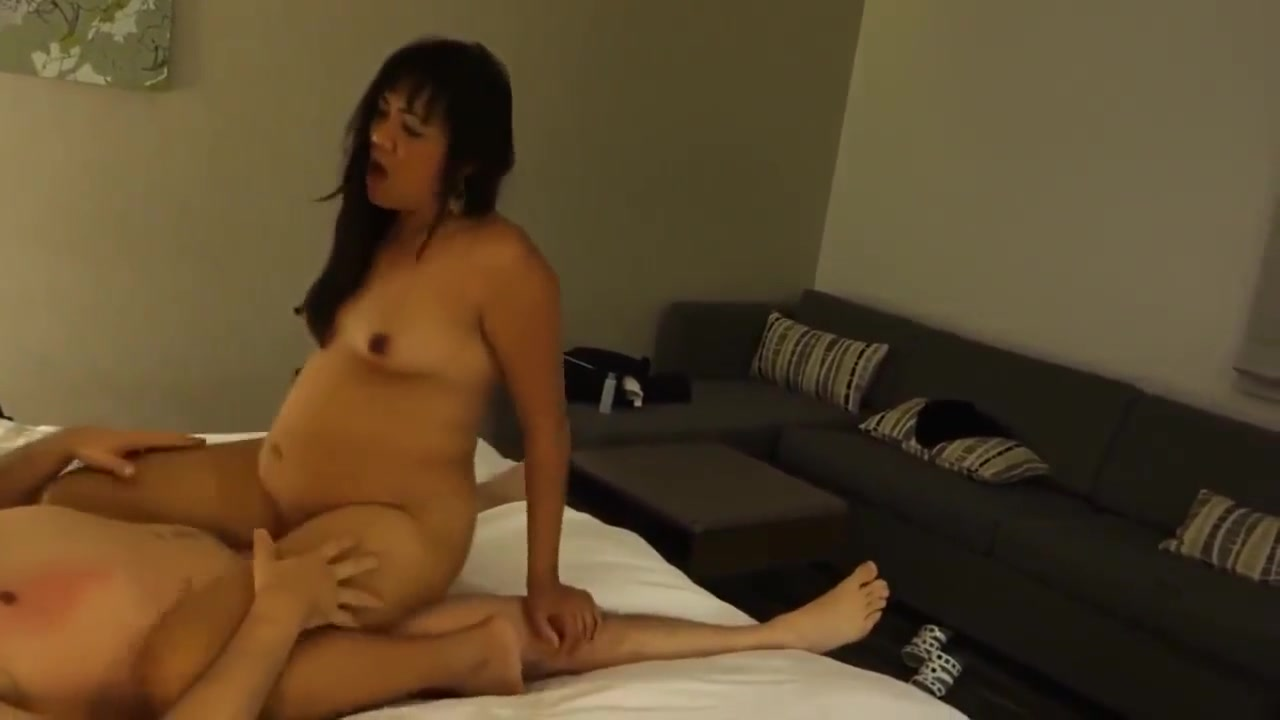 Muscular mature on cam pt3 Pron Pictures