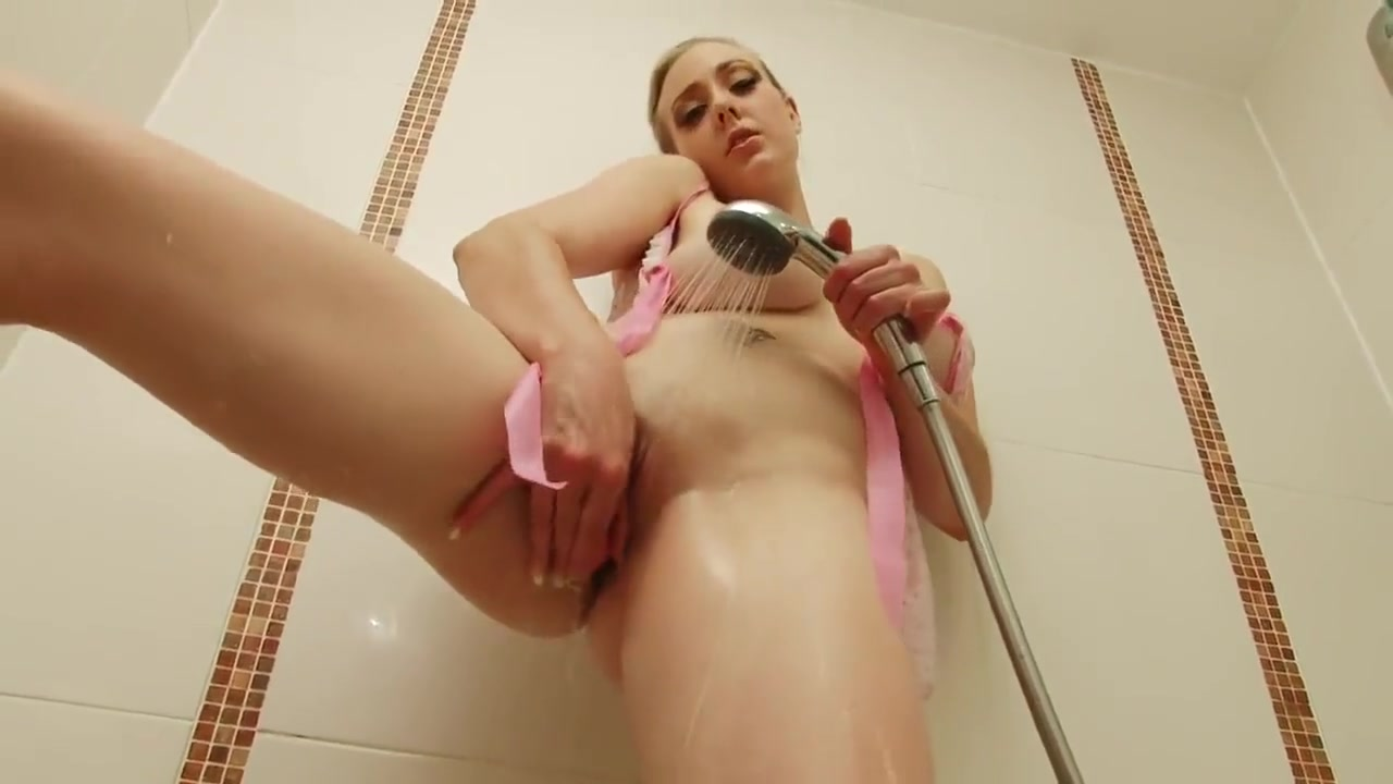 horny_sapphire_masturbates_in_the_sower_with_a_toy Muscle woman havin sex