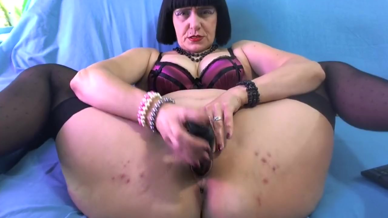 Big heavy naked boobs New porn