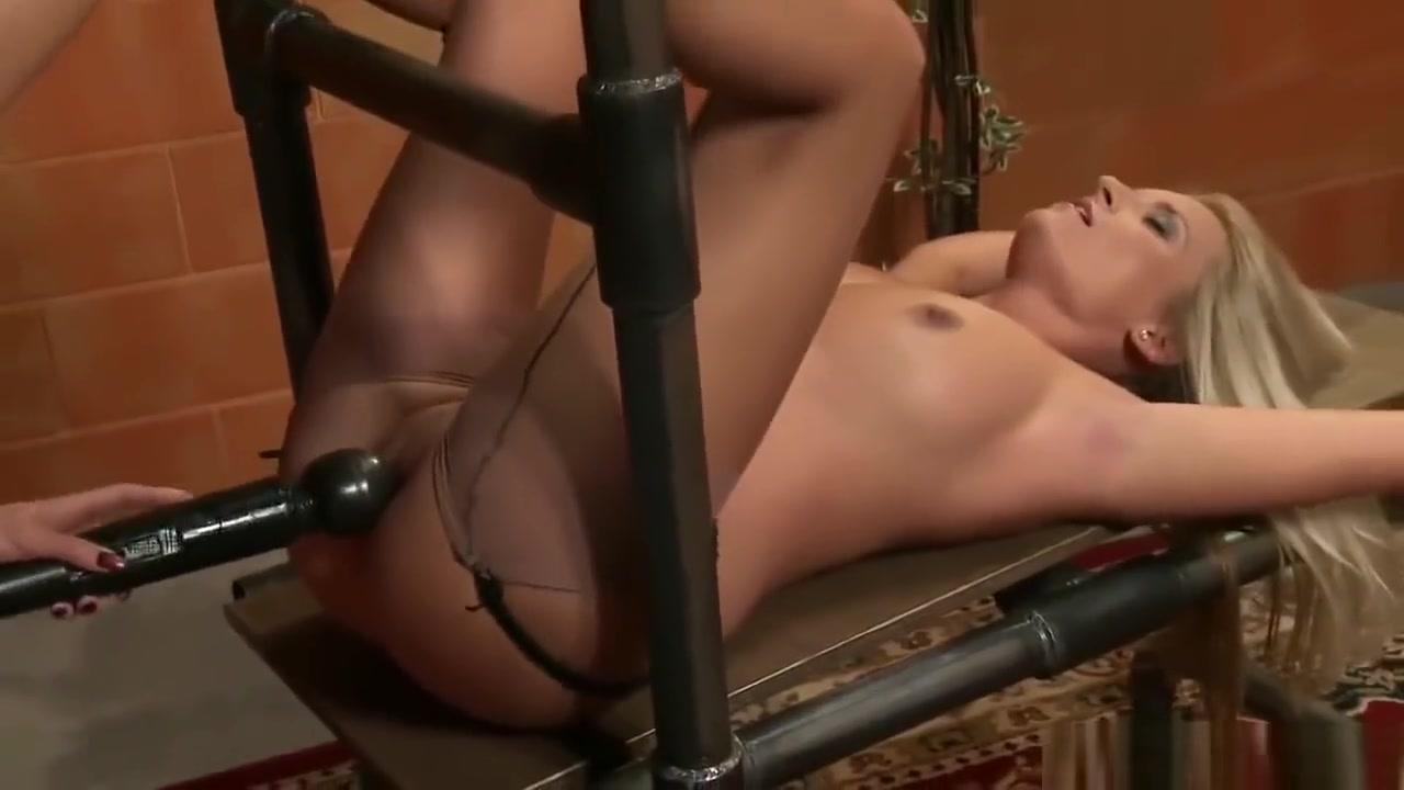 Clip orgam Lesbo fucked