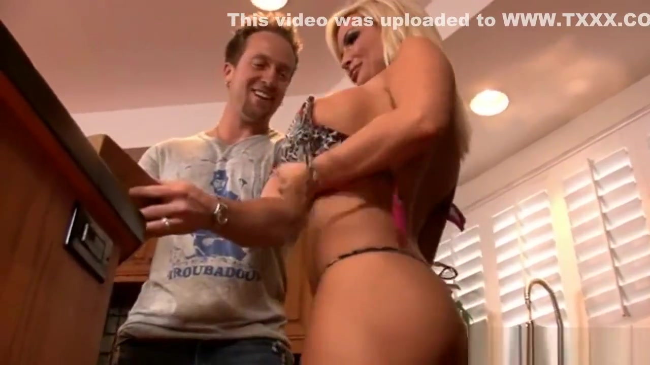 Adult gallery Marnias blue link porn