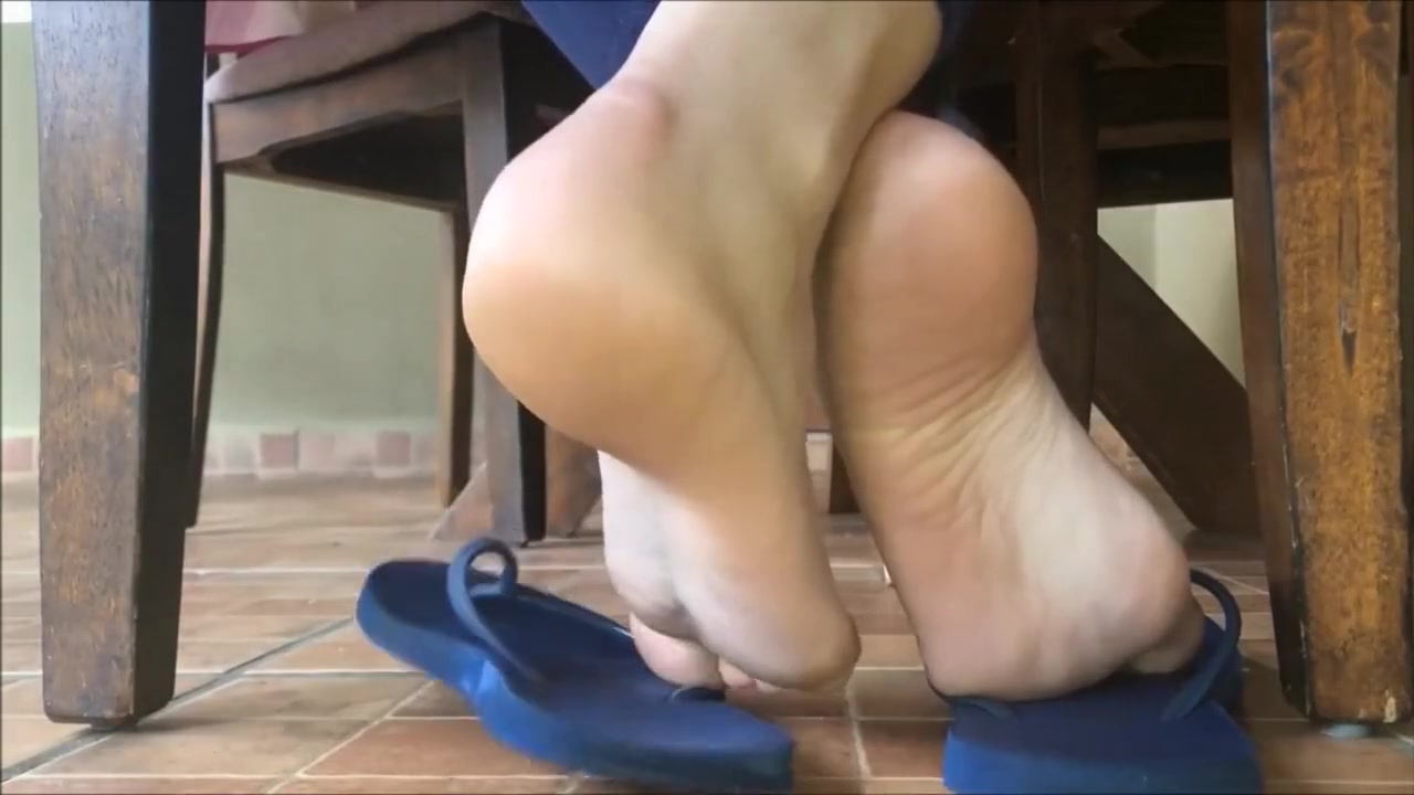 shoeplay and barefeet pre 1990 bdsm mature bbws