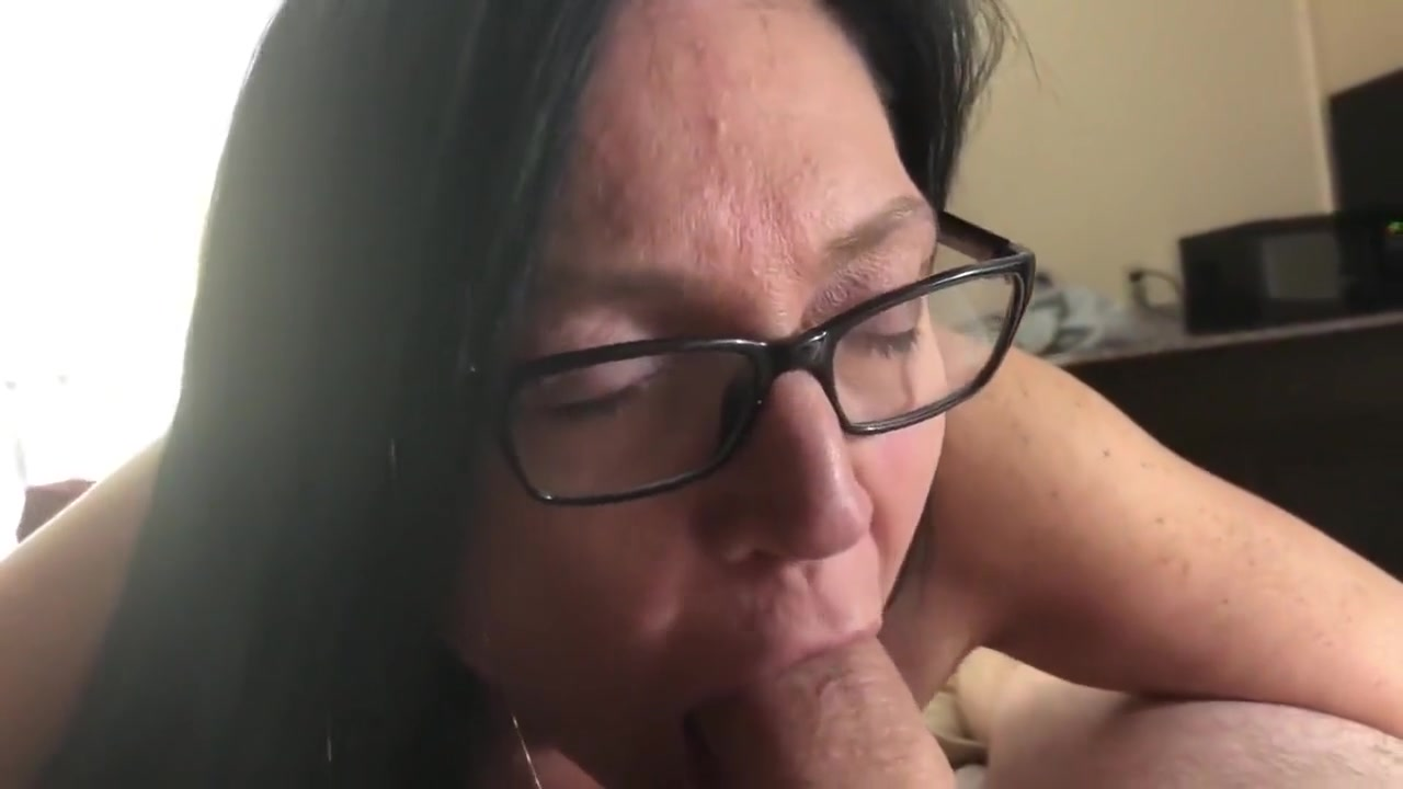 Hot Nude The Biggest Cock Shes Ever Seen In Her Teen Life