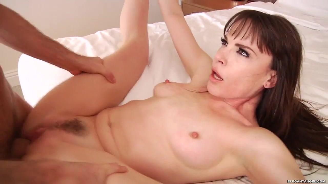 Adult gallery Brunette girls having sex