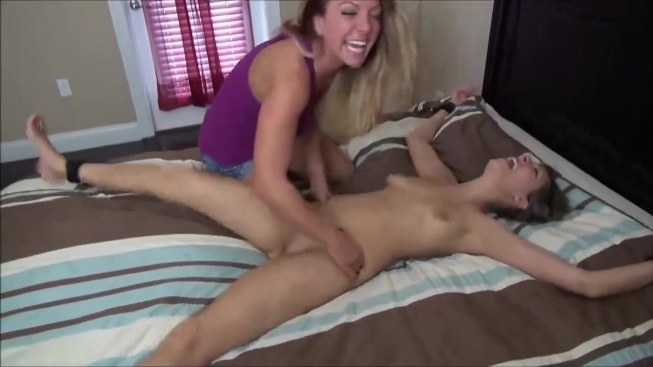 Porn archive Naked redhead milf