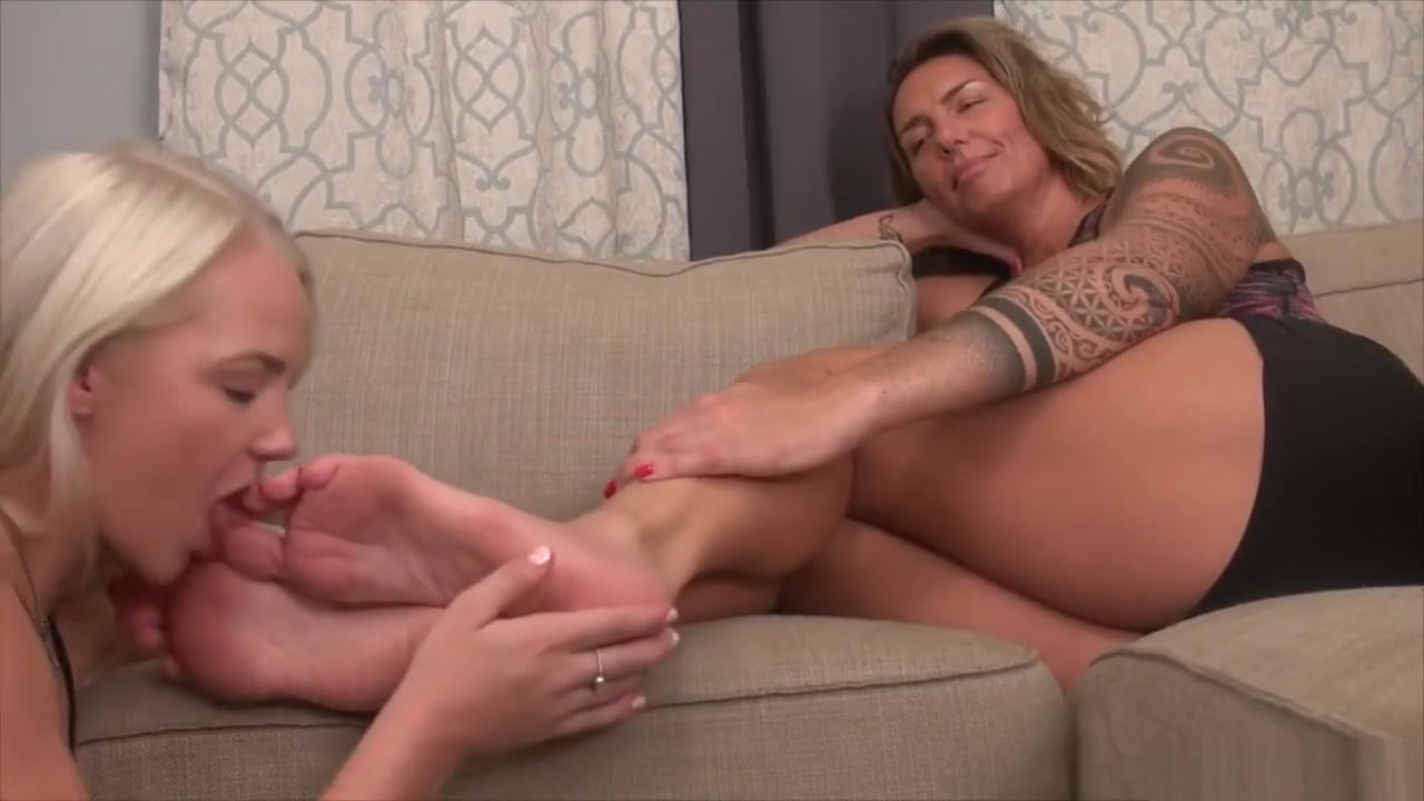 Big foot worship Stephanie lazy town porn