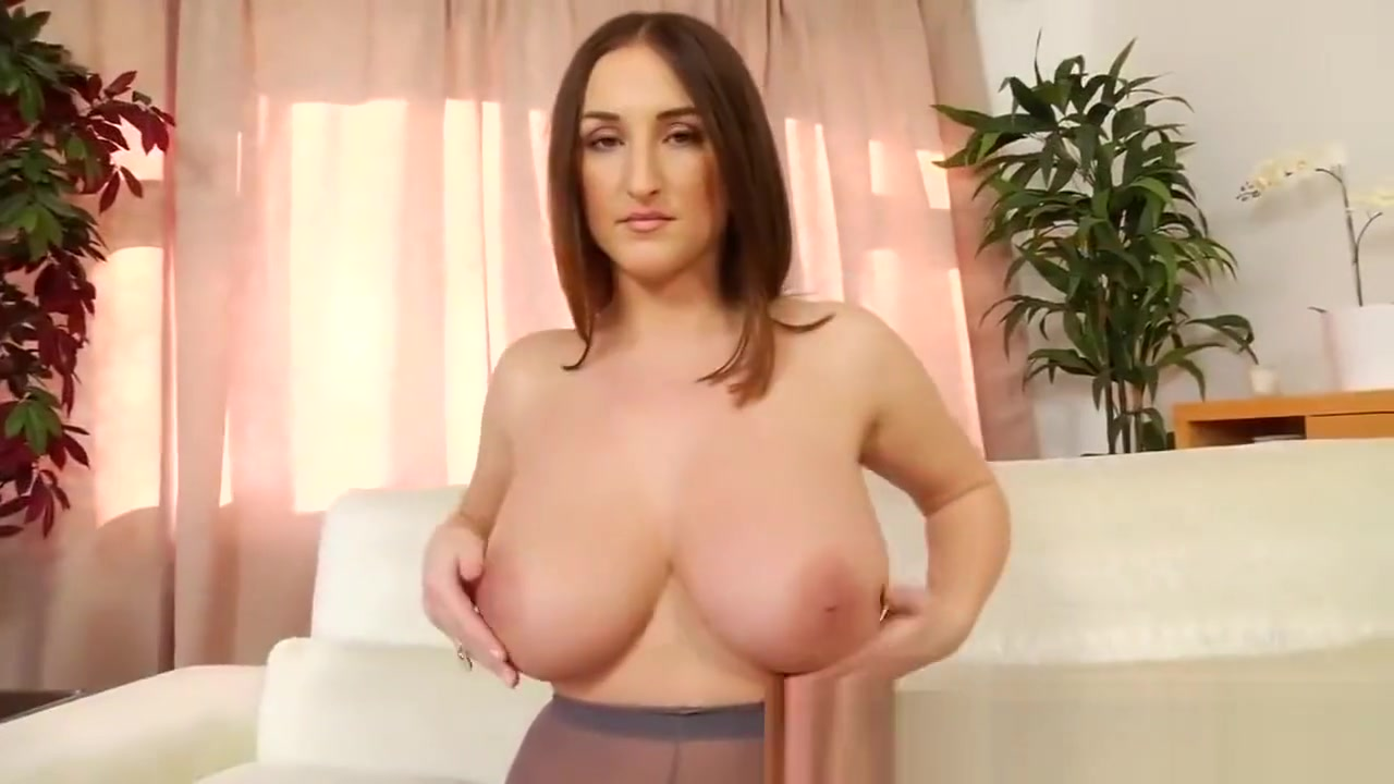 Stacey Poole: Gorgeous Lady has Gorgeous Curves [HD] Busty the vampire layer