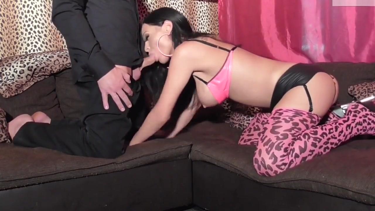 Sexy Galleries Kianna is a sexpot