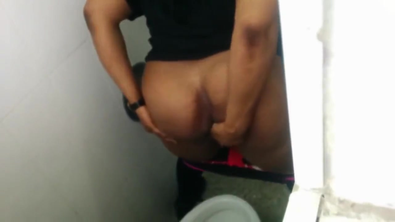 homemade tiolet gloryhole porn XXX photo