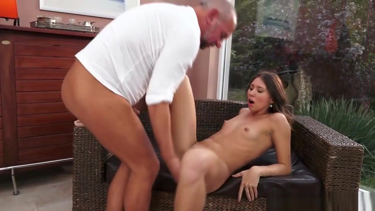 Porn clips Hot spain girl sucking