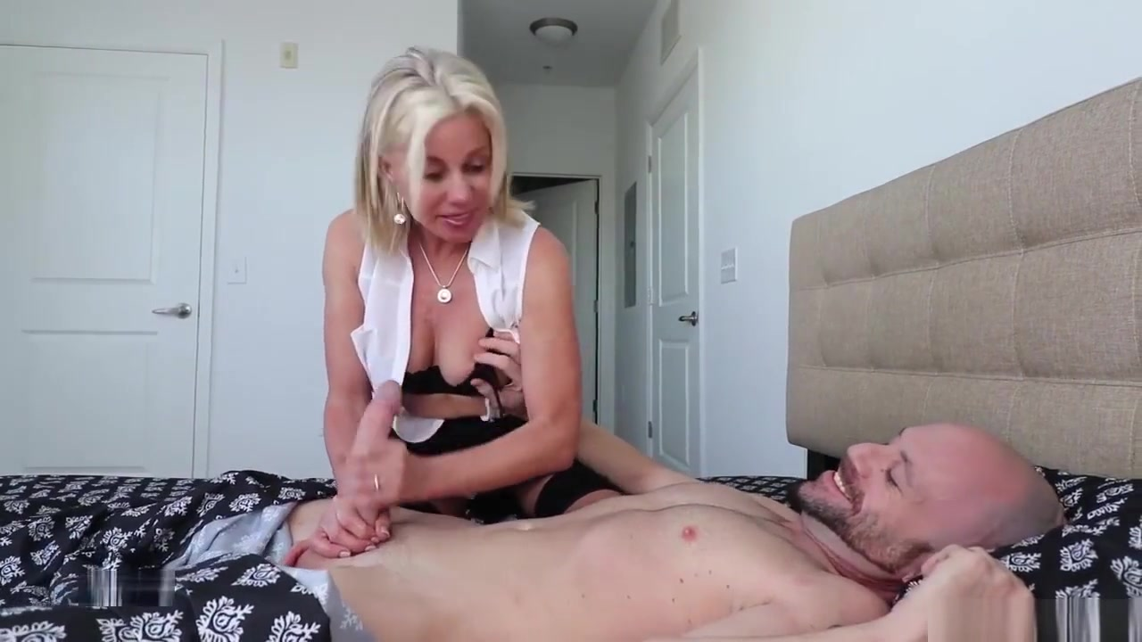 Sexy xxx video Hot horny mature cougar banging in heels