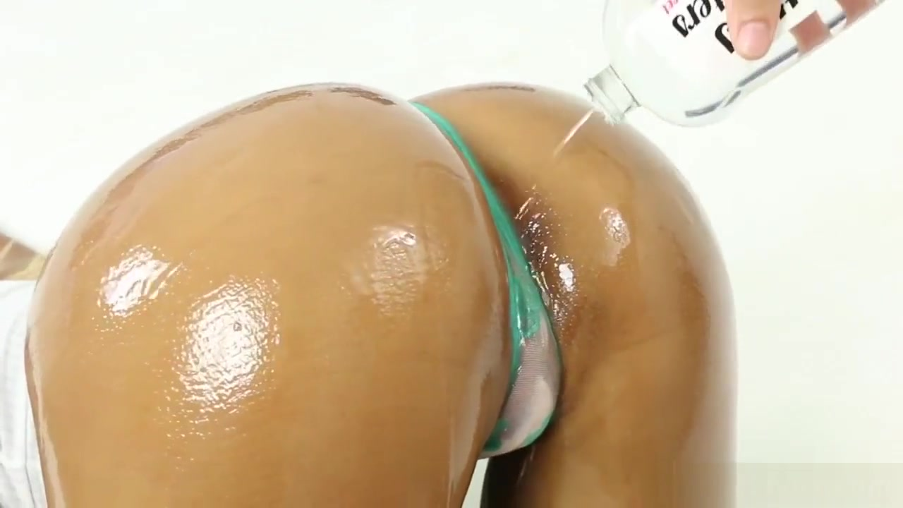 Naked Porn tube Sexy white girls with bubble butts getting fucked