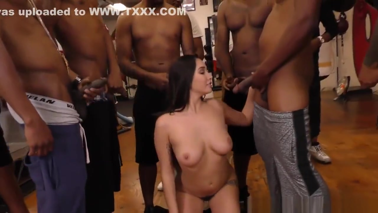 Porn archive Hot babes giving head