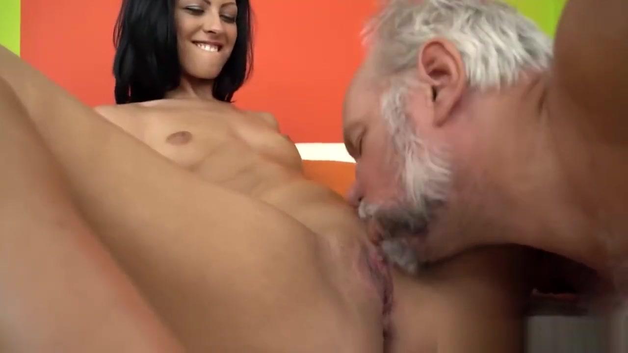 Nude photos Lady sonia spreading pics