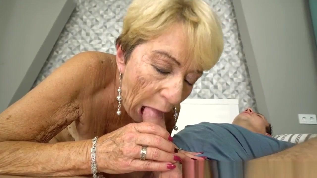 Mature amateur is asslicking her man Pics Gallery