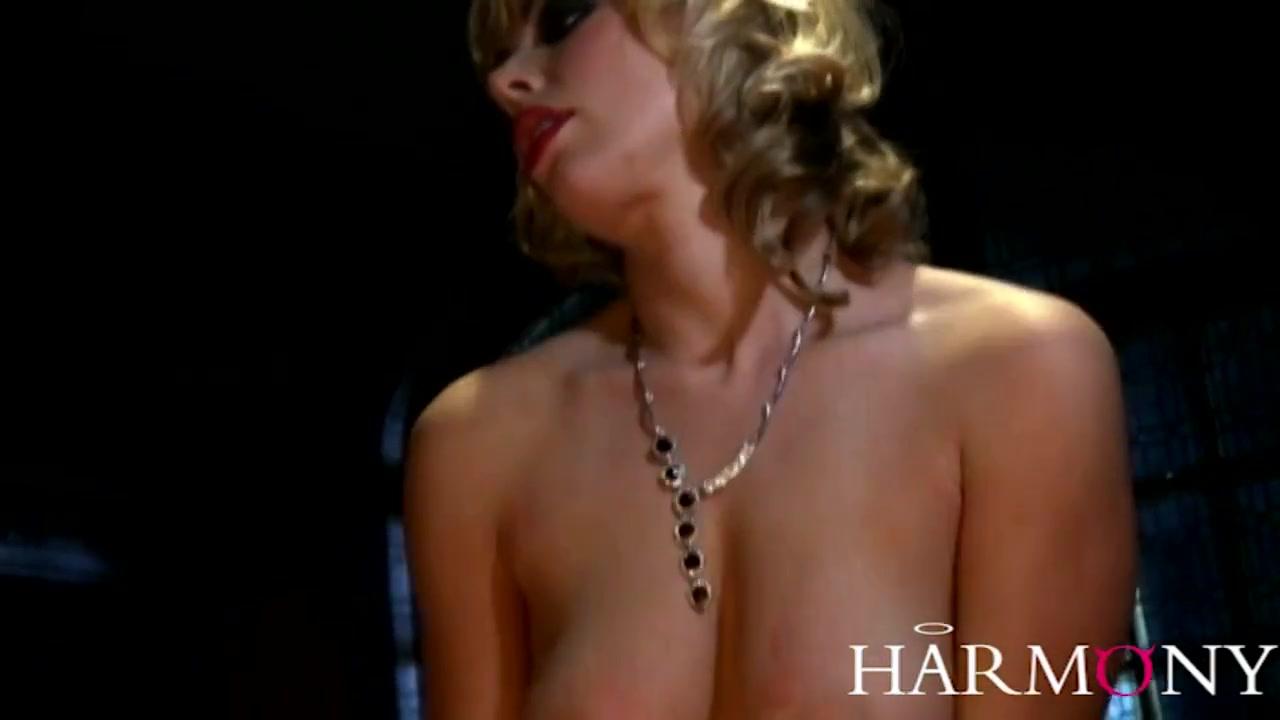 Excellent porn Carmen electra naked galleries