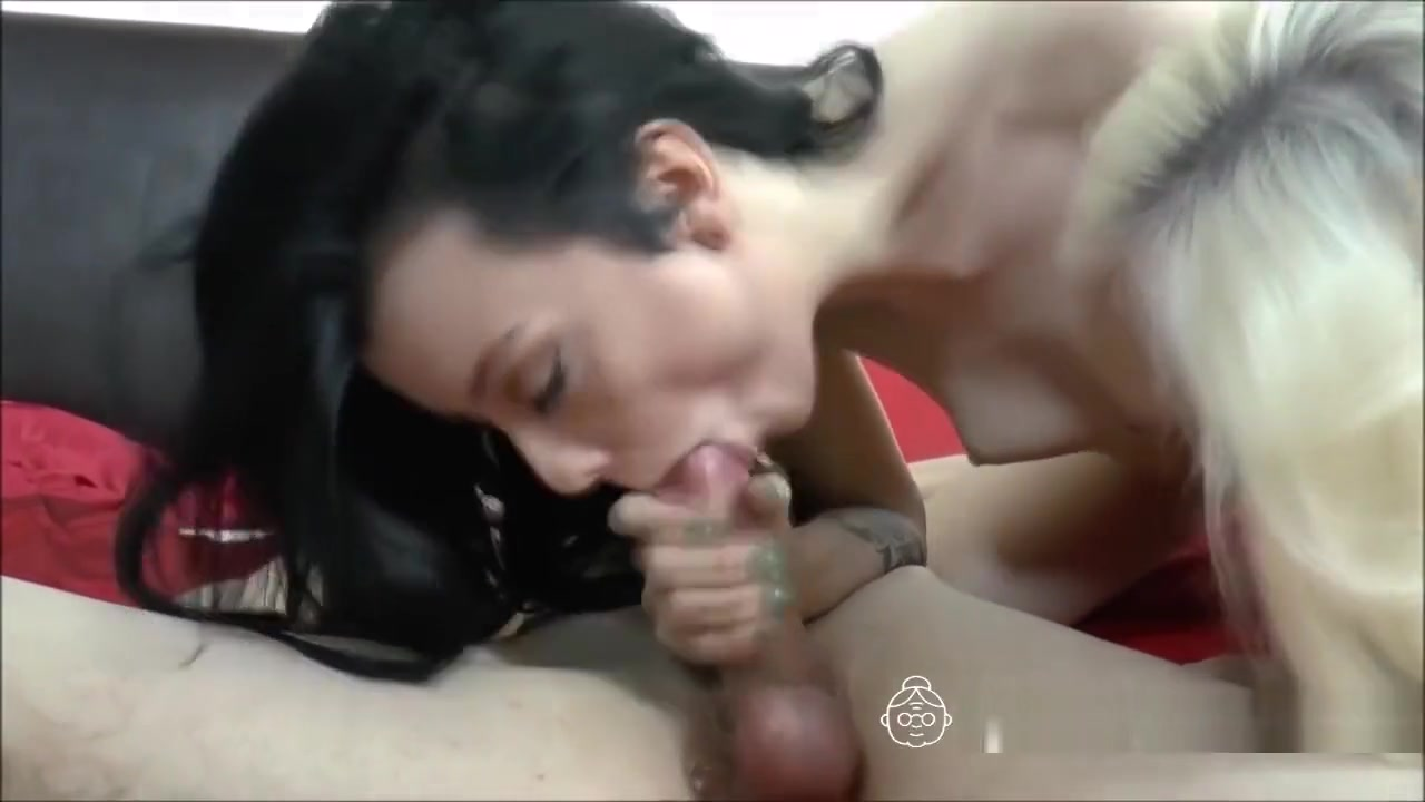 Man loves pussy old