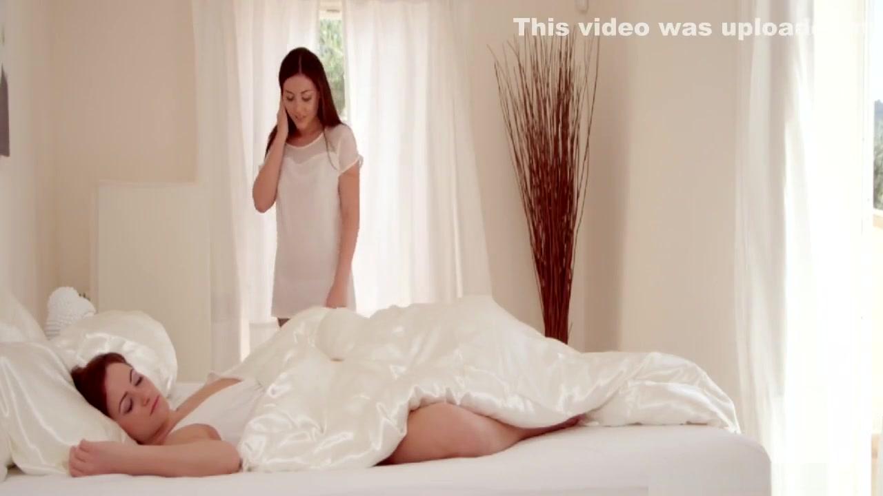 XXX Video Many lesbian babes like sex tools