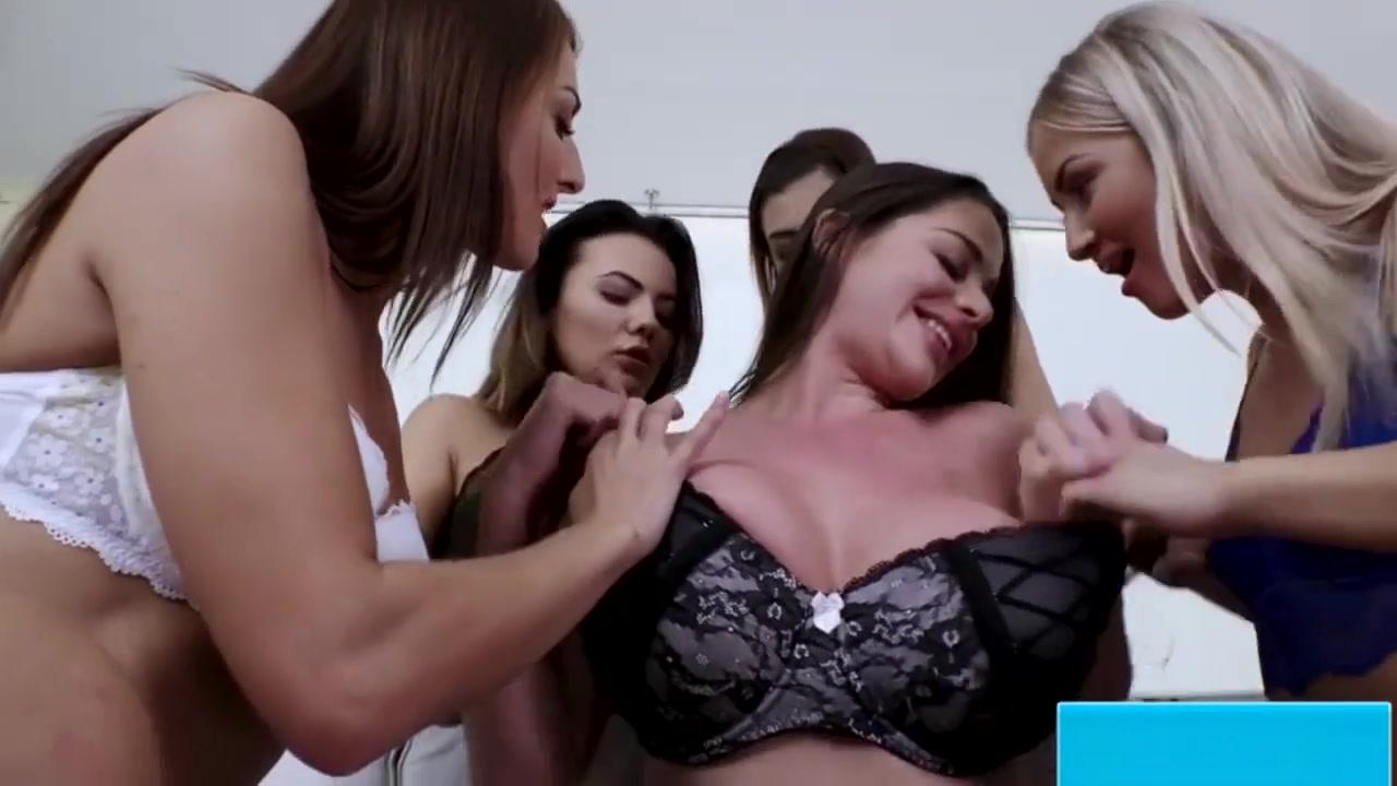 Lesbios pornex naked Czech