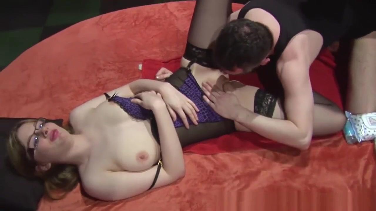 Sexy xXx Base pix Hot milf masturbating and sucking