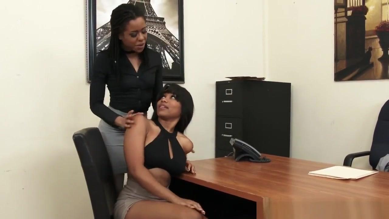 Pics Ballbusting porn