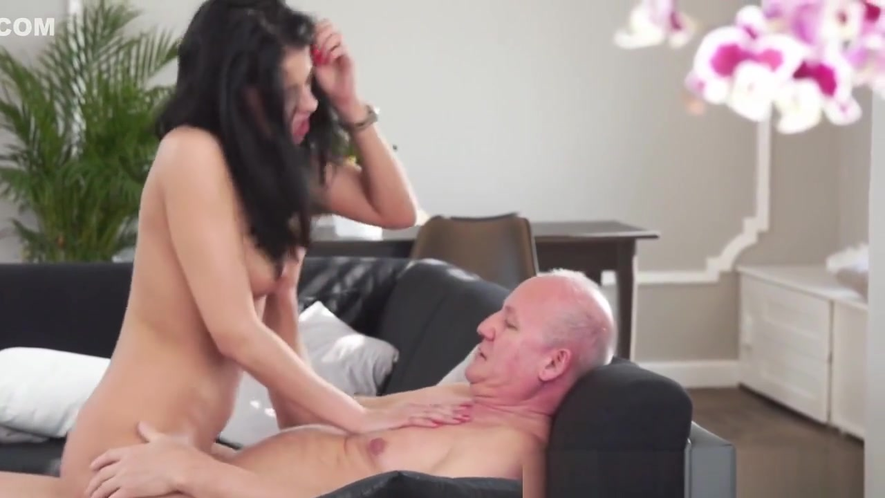 XXX Porn tube Mature domme in stockings