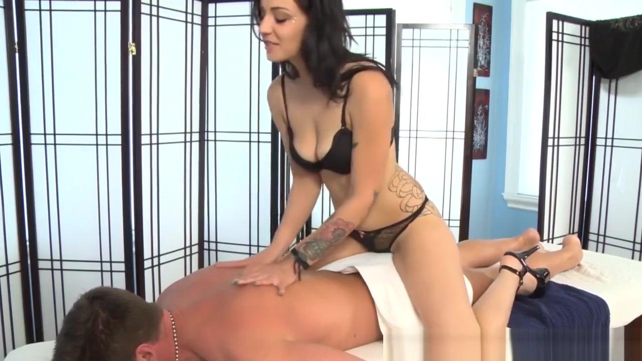 Sexy Photo Busty mature handjob
