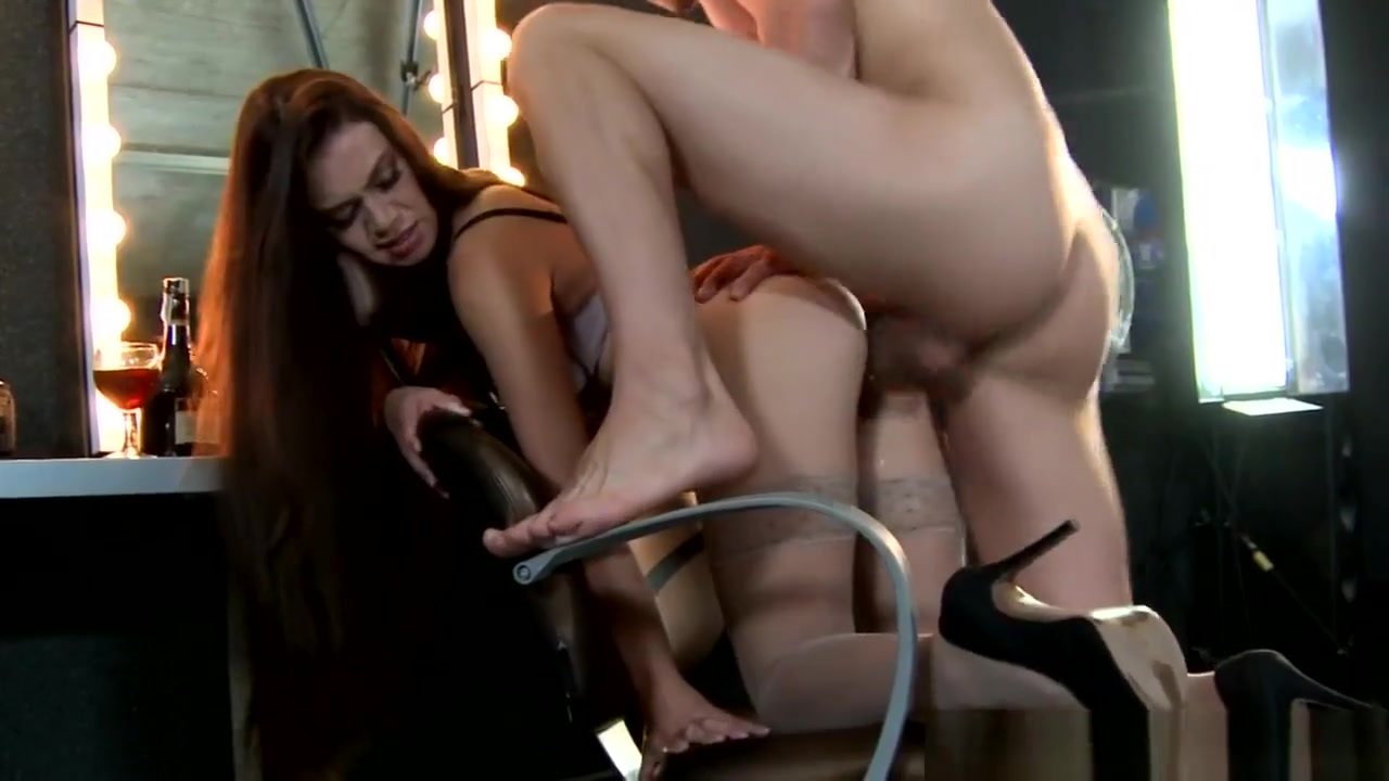 plumper slave Nude gallery