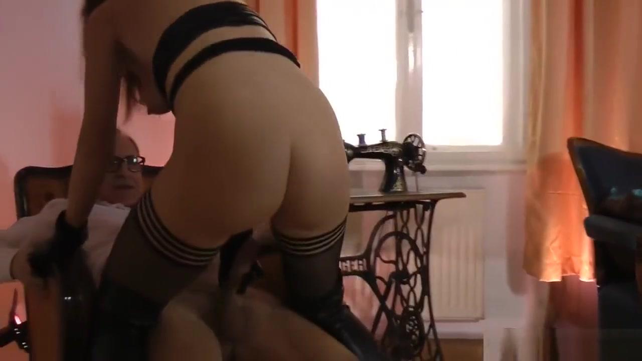 Hot xXx Pics Cute housewife prostate cumshot