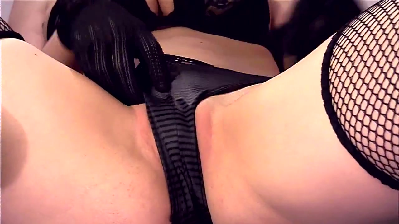 Sexy Video Bigtitted milf voyeur instructing tugging guy